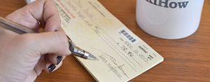 Llenan los cheques